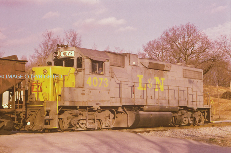 L&N - Nov 24 1975 - No 4073 @ Waverly TENN