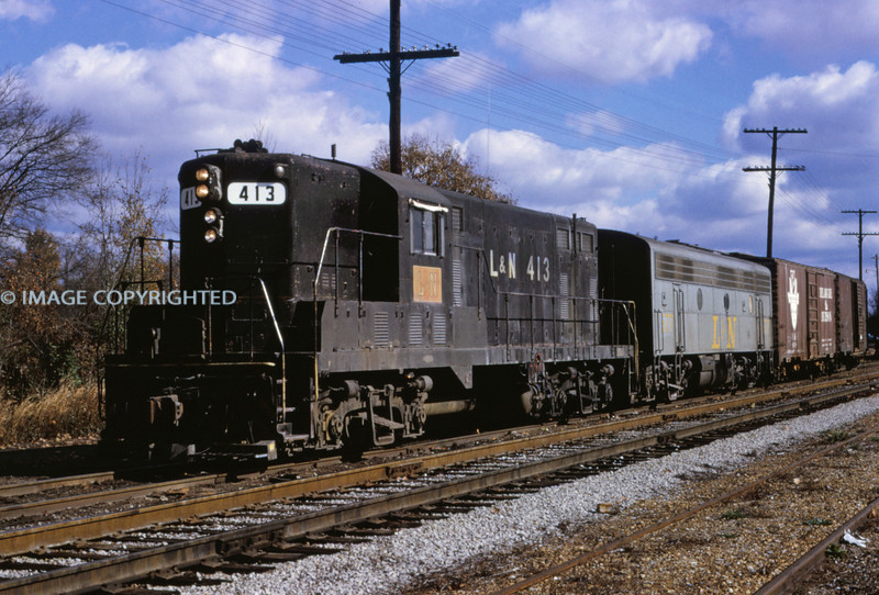 L&N 16 Nov 18 1968 - GP 7 413 & F 7 @ Lexington TENN