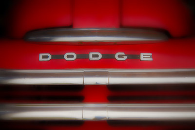 Red-Dodge-Grill