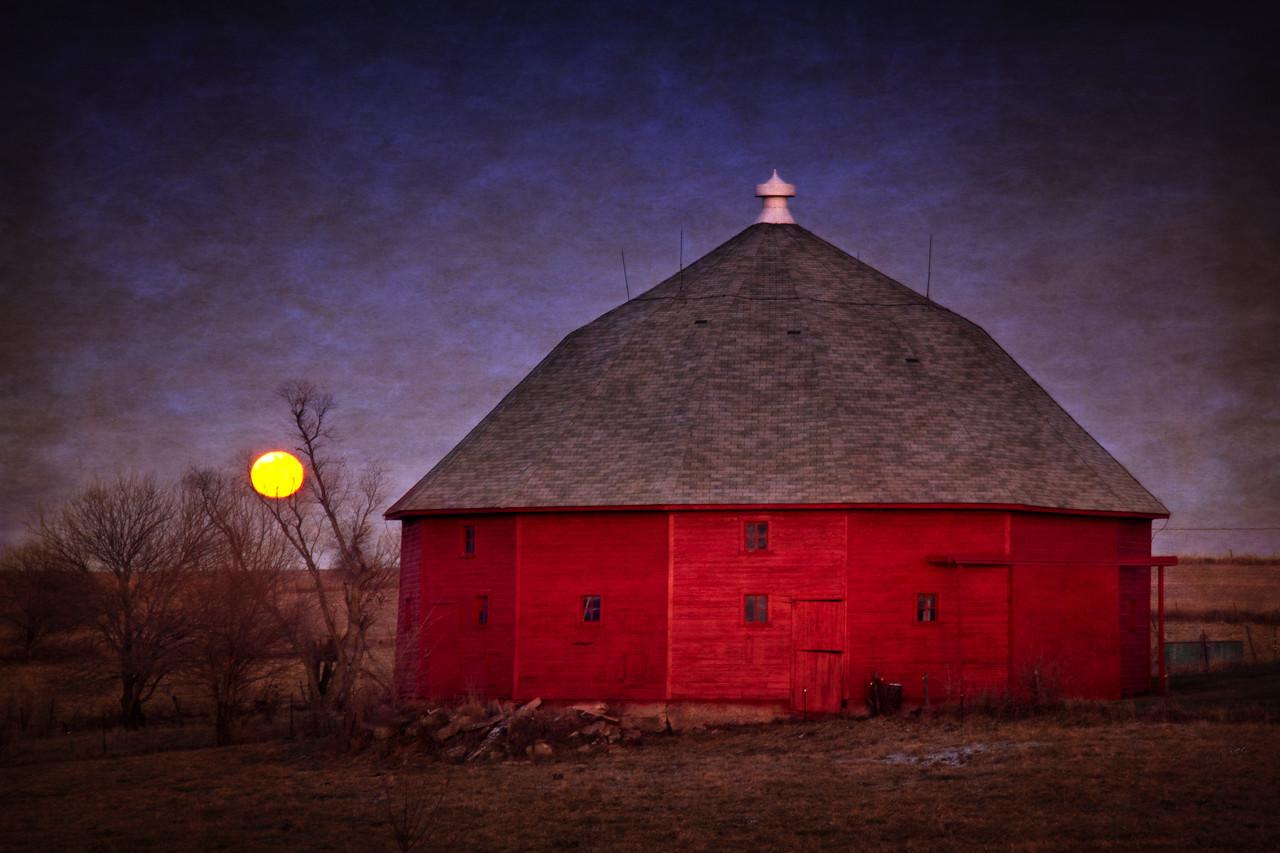 Full Moon Red Corn Crib