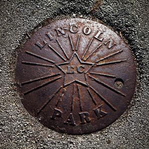 Lincoln-Park-Cover_2sq