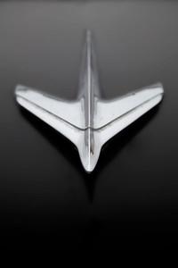 Studebaker-hood-orniment