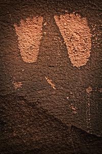 Bear-Print-Petroglyph