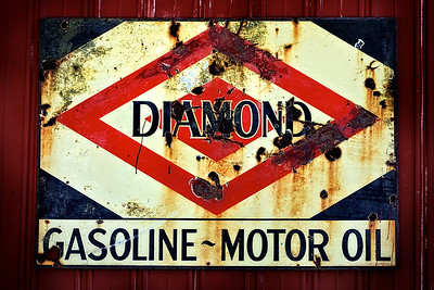 Diamond-Olil-Sign