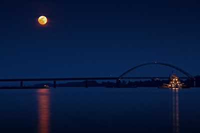 Super Moon Mississippi River 2