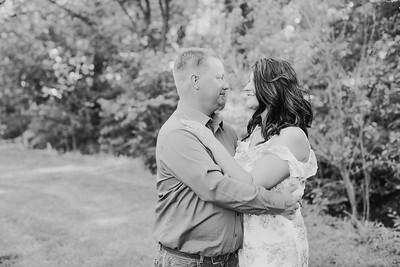 00016--2017©ADHPhotography--RenaeFelberHeathBrown--Engagement