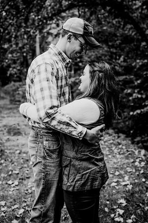 00002--©ADHphotography2018--DerekSchoenKylaEpley--Engagement--October13