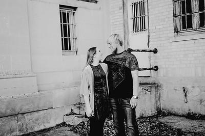 00002--©ADHPhotography2017--AshtonHarphamSeanMcCoy--Engagement
