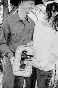 00022--©ADHphotography2018--VictoriaJohnsonHanceGrunden--Engagement--October16