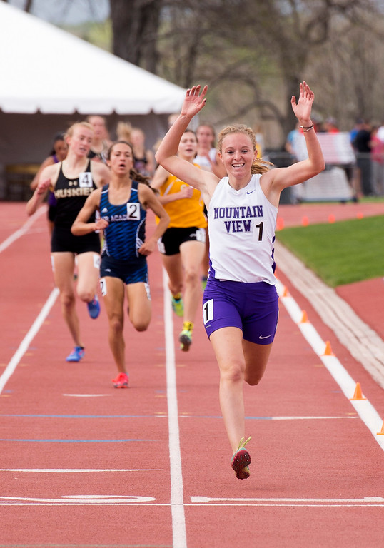 . Mountain View\'s Lauren Offerman celebrates her championship victory in the 4A Girls 1600-meter finals Sunday afternoon May 21, 2017 during the CHSAA State Track and Field Meet at Jeffco Stadium in Lakewood. (Michael Brian/For the Reporter-Herald)