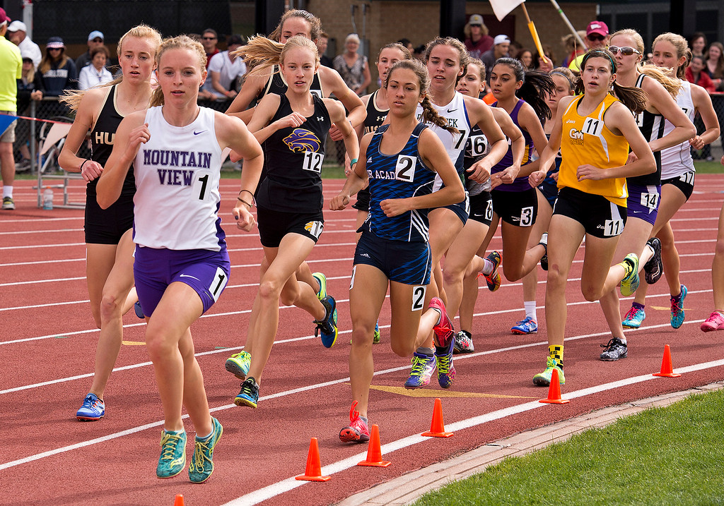 . Mountain View\'s Lauren Offerman leads the pack around a corner during the second lap of the 4A Girls 1600-meter finals Sunday afternoon May 21, 2017 at the CHSAA State Track and Field Meet at Jeffco Stadium in Lakewood. (Michael Brian/For the Reporter-Herald)