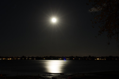 Another fantastic moon over the lake.