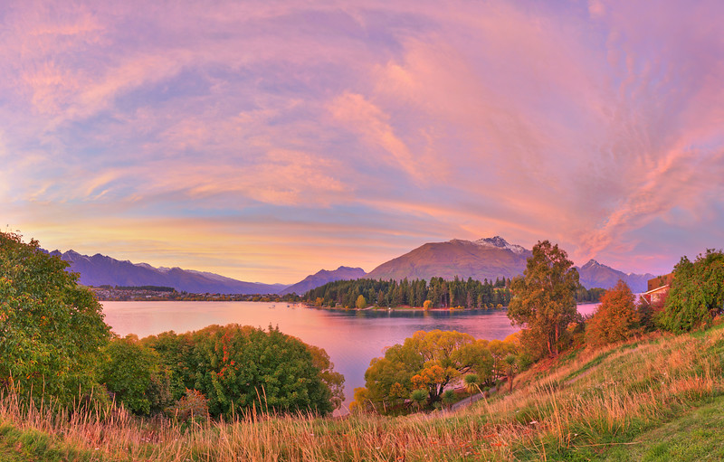 Queenstown Lake Edge Dawn