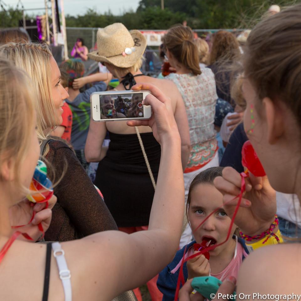 Photobombing the Selfies