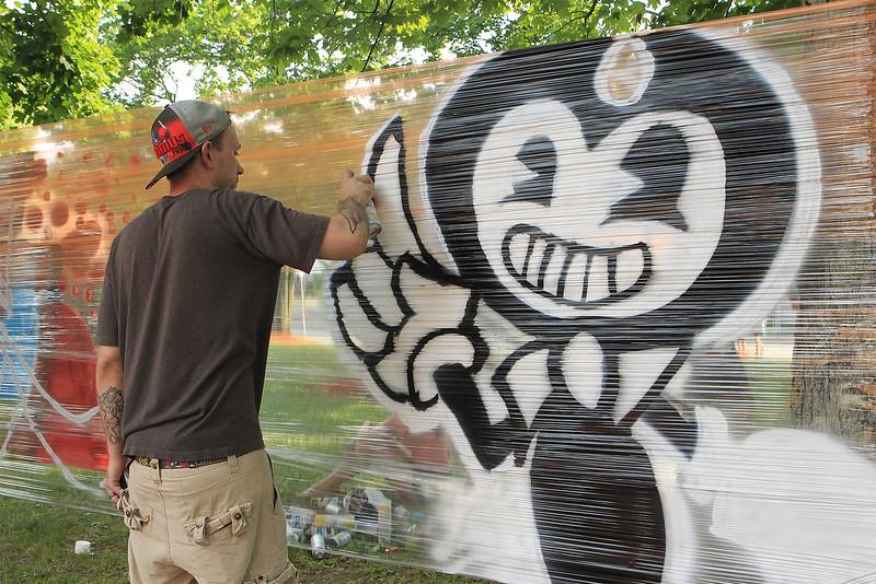 Greg Boggs paints away at Civic Day SENTINEL&ENTERPRISE/Scott LaPrade