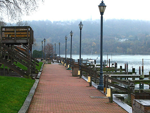 Lewiston Docks Nov 12 292 640w