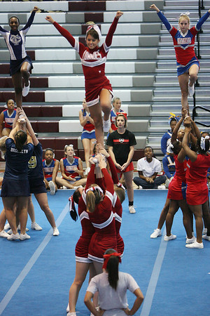 2008 Lowndes High Cheerleaders