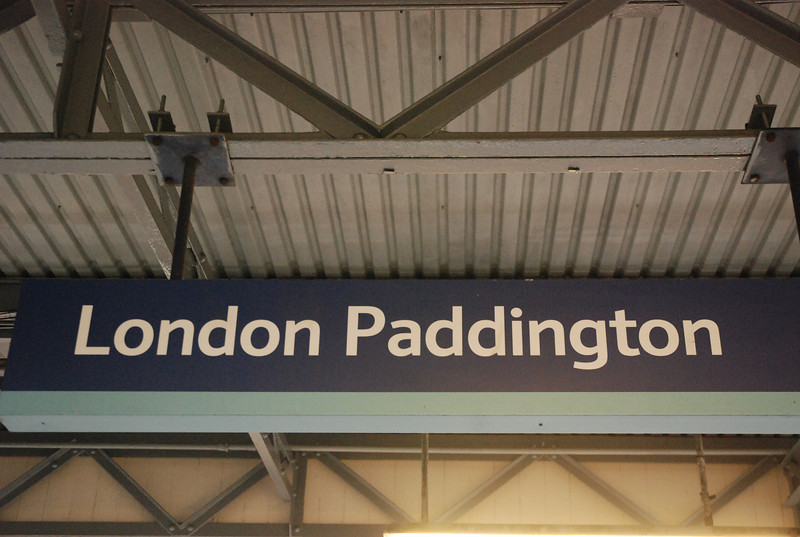 After a mad dash across London via Clapham and Kennsington <br /> <br /> Olympia as it says in the Gallery description we finally made it to <br /> <br /> Paddington for the in bound 1V28 11.02 South Ruislip - Paddington <br /> <br /> The train arrives into the tucked away platform 14 at the far end of the station as you will see later