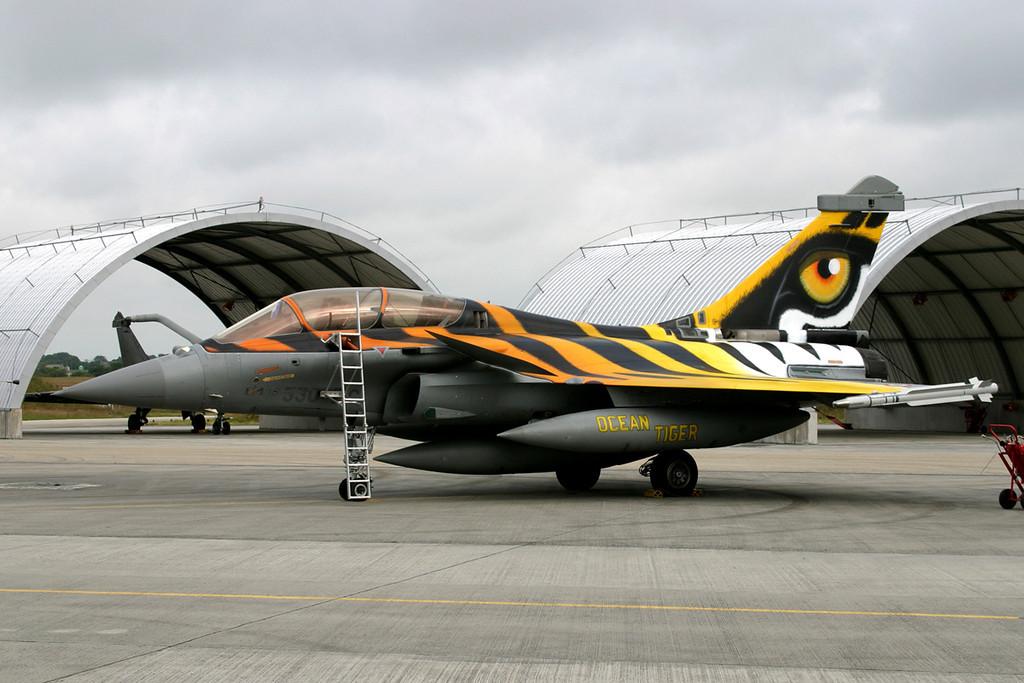 305 / 330-EC Rafale B - French Air Force