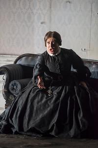 ENO Lucia di Lammermoor Sarah Pring (c) John Snelling