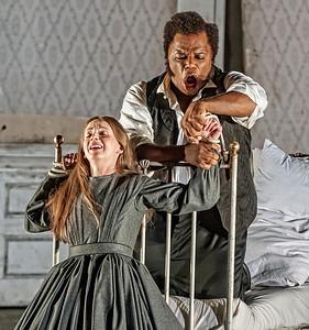 ENO Lucia di Lammermoor Sarah Tynan Lester Lynch (c) John Snelling (2)
