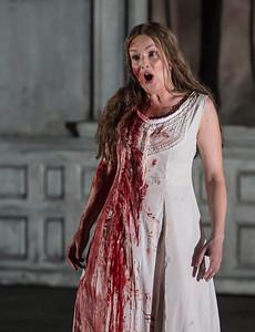ENO Lucia di Lammermoor Sarah Tynan (c) John Snelling (3)