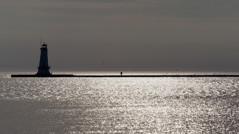 Ludington North Pier Light