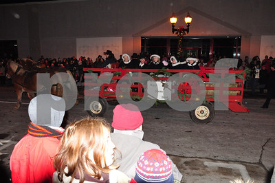 sb Manistee Sleighbell parade, w s  bank 031
