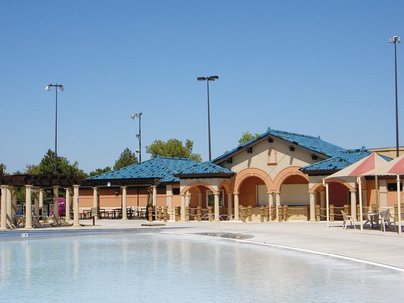Salinas Aquatic Center - Salinas, KS
