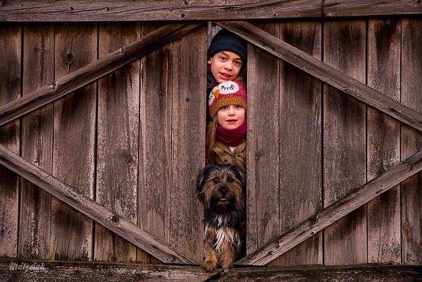 W drewnianym passe-partout