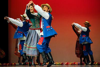 """Tańce Rzeszowskie Zespół """"Mazowsze"""" ©Agata Katafiasz-Matysiak"""