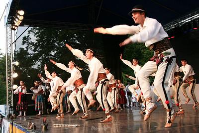 """Tańce góralskie Zespół """"Mazowsze"""" ©Mateusz Matysiak"""