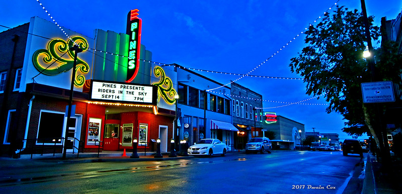 Downtown Lufkin Texas, The Pines Theater