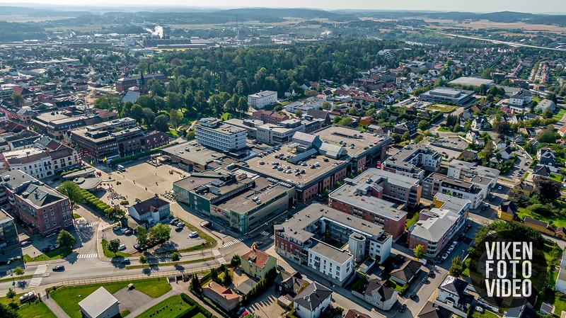 "Sarpsborg sentrum. Fotografert 26. august 2019. Foto: Thomas Andersen -  <a href=""http://www.vikenfotovideo.no"">http://www.vikenfotovideo.no</a>"