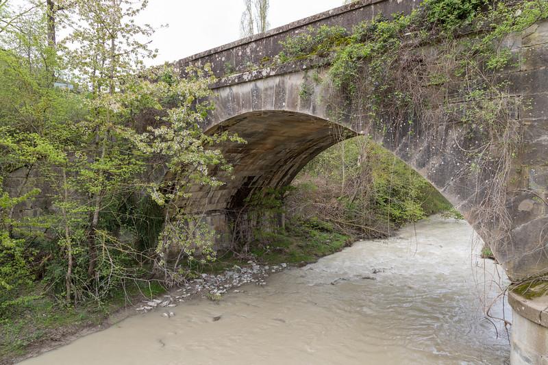 Puente de la antigua carretera de Zaragoza