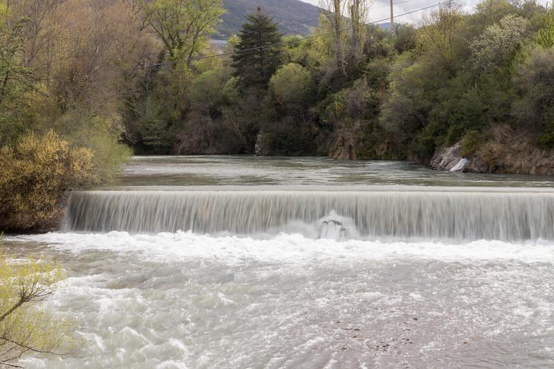 Río Aragón desde el puente nuevo.