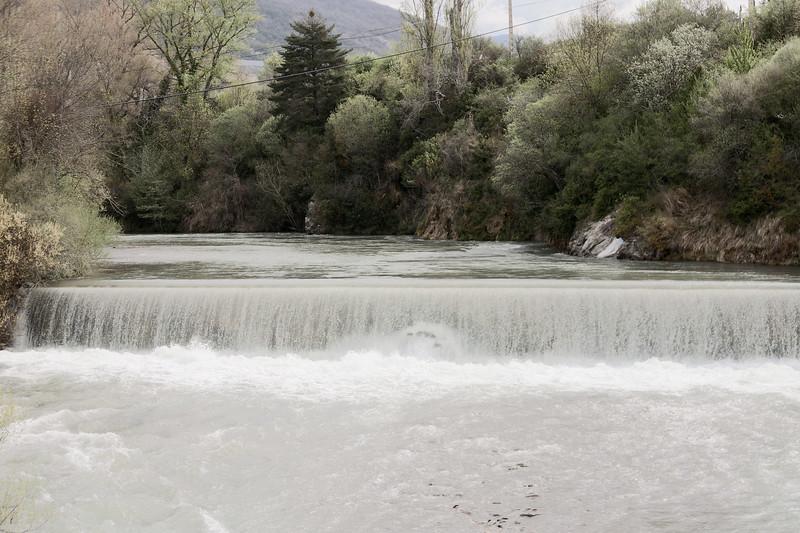 """El río baja """"Mayenco"""""""