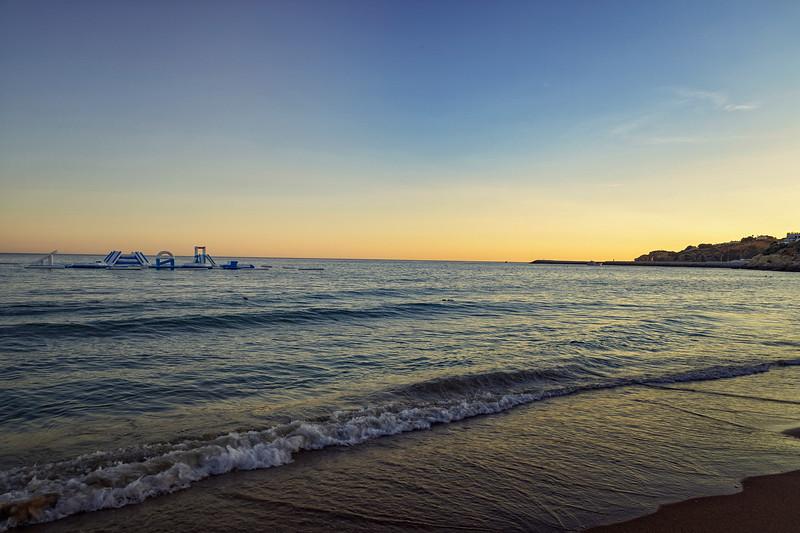Puesta de sol, praia do Peneco. Albufeira