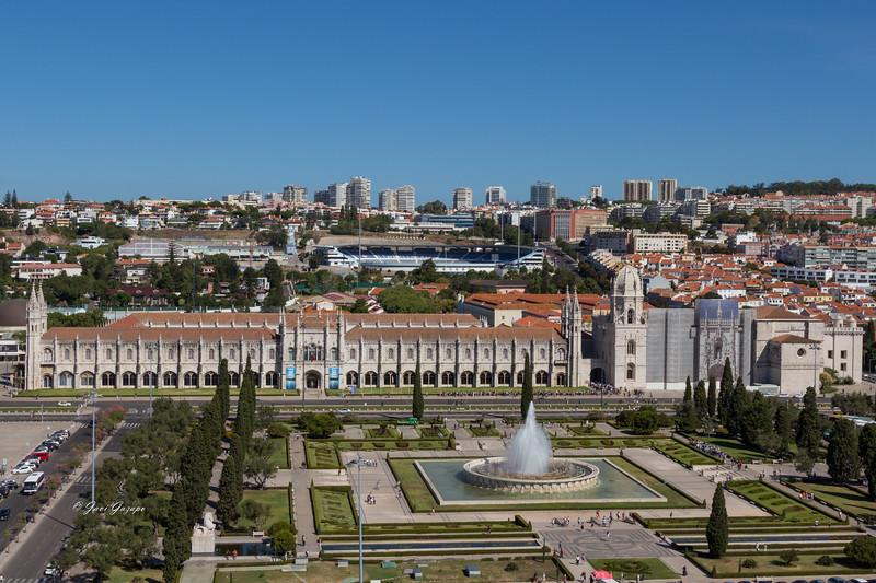 Monasterio de los Jerónimos de Belém y Jardín de la Plaza del Imperio.