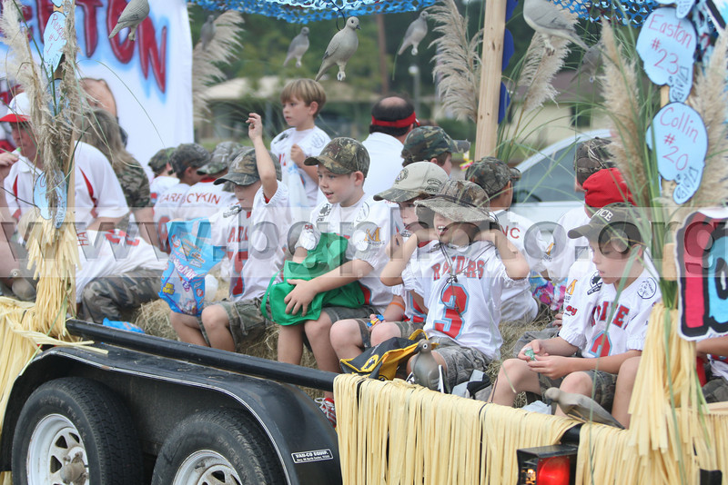 HC Parade09-042