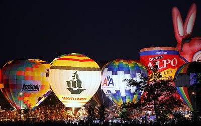 Balloon Glow 2006 - AFTER The balloons are all fired up.