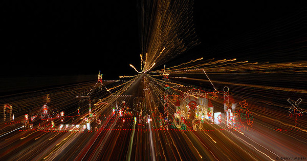 Christmas Explosion Nikon D80 w/18-200mm at various focal lengths (f22, 2 sec, ISO 200) December 15, 2006