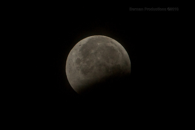 Spectacular Total Lunar Eclipse during Winter Soltice