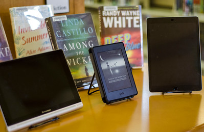 Lunenburg library gets e-readers