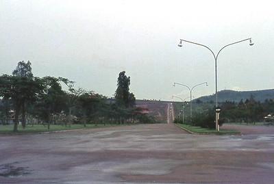 Avenida, vista da Area das Oficinas para o Monte da Bela Vista aonde se ve a cruz