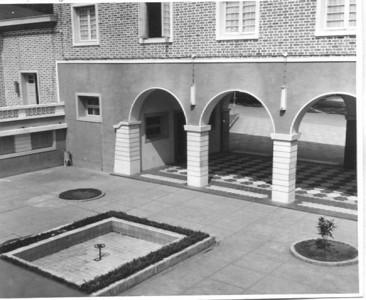 Terraço interior da Casa do pessoal Dundo