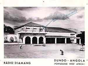 Radio Diamang- primeiro andar da Casa do Pessoal ( ver seta)