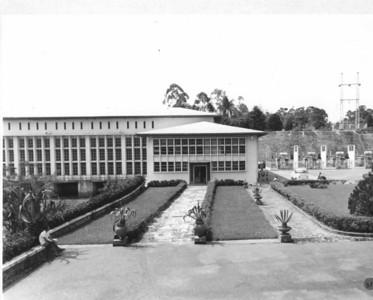 Central Hidroeléctrica A construção da Barragem Hidroeléctrica de Luachimo data de 1950. Entrou em funcionamento em 1957.