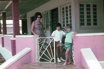 Maria Cândida Gustavo da Fonseca e filhos