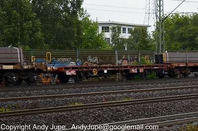 L Coded Wagons (82) (Special flat wagon with separate axles)